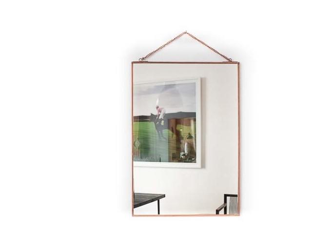 Zaira Spiegel mit Kette